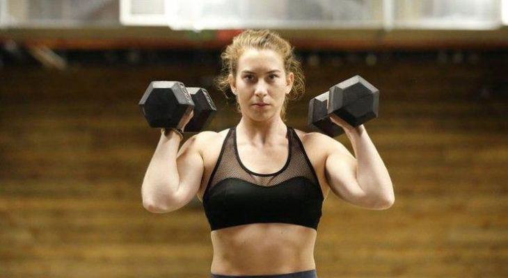 This Dumbbell HIIT Workout Will Burn Out Your Arms and Abs